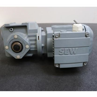 Picture of Motor giảm tốc SEW Eurodrive 0.37 kw SAF37DRS71S4